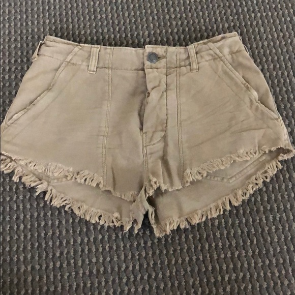 Free People Pants - NEVER worn Free People shorts, size 2!